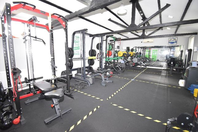Thumbnail Leisure/hospitality to let in Humberstone Drive, Leicester