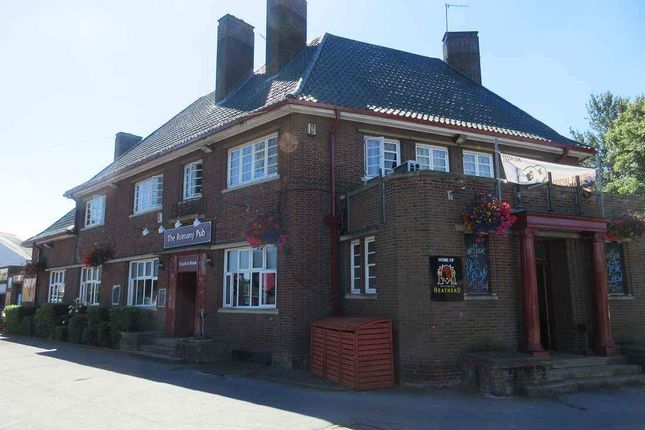 Thumbnail Pub/bar to let in The Avenue, Welford Road, Kingsthorpe, Northampton