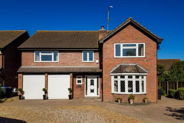 Thumbnail Detached house for sale in Oaklands Drive, Harlow