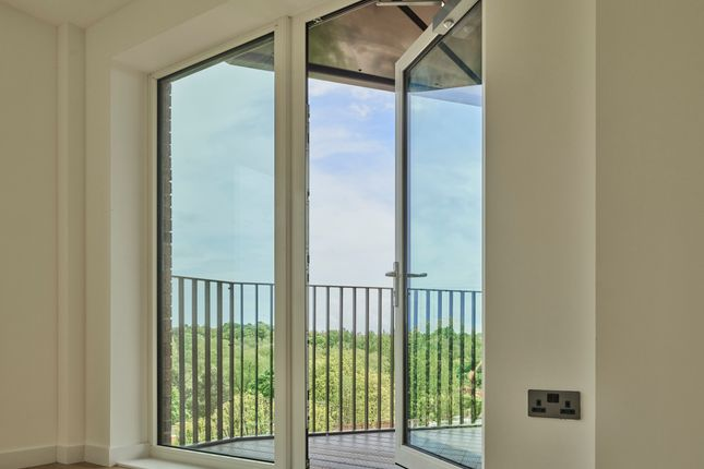 Flat for sale in St Andrew's Triangle, Uxbridge