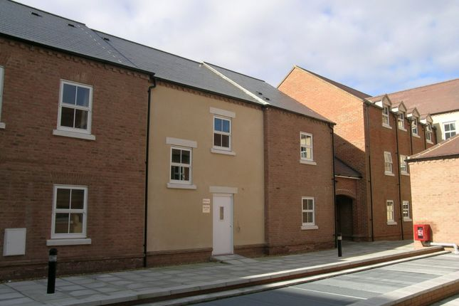 Thumbnail Flat to rent in Waterford Gate, Aylesbury
