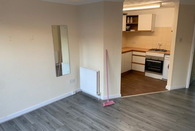 Thumbnail Flat to rent in Elgin Road, Ilford