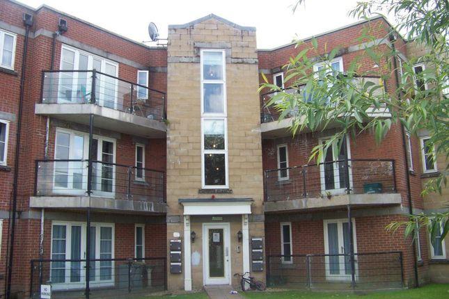 2 bed flat to rent in Stormont Court, Weston Village, Weston-Super-Mare