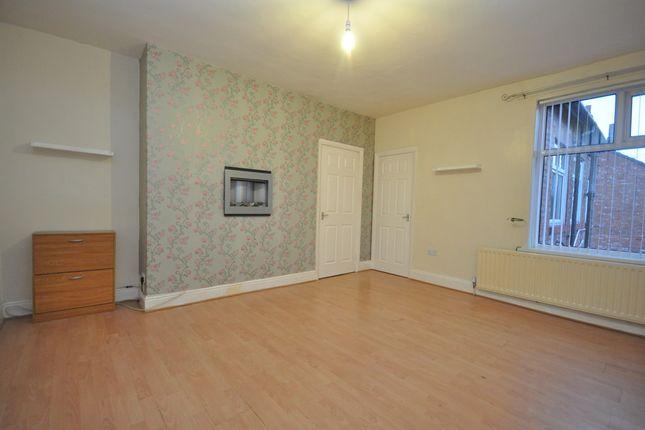 Thumbnail Flat to rent in Whickham Road, Hebburn