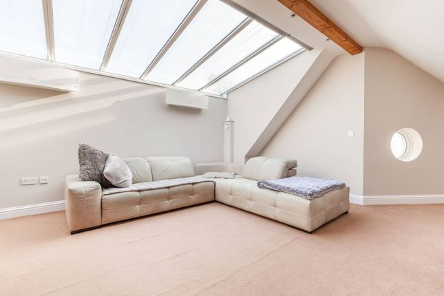 Thumbnail Bungalow for sale in Woodside Avenue, South Norwood, London