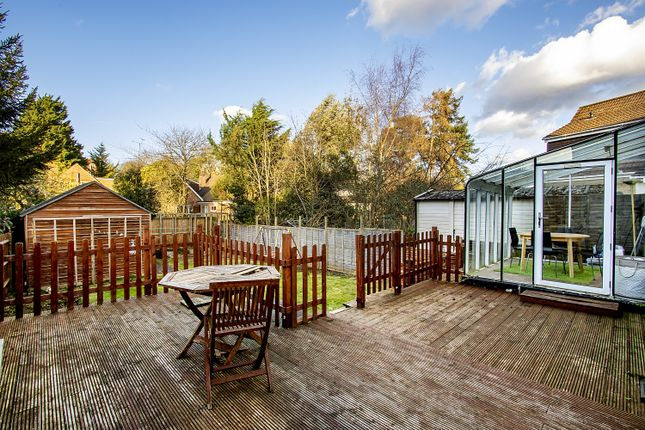 Decking Area of Froxfield Avenue, Reading, Berkshire RG1
