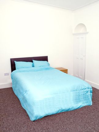 Room to rent in Queens Road, Doncaster