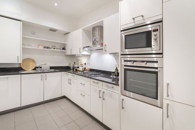 Thumbnail Flat to rent in New Cavendish Street, Marylebone