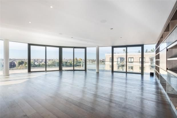 Thumbnail Flat to rent in Goldhurst House, Parr's Way