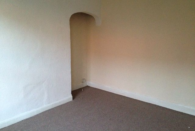 Thumbnail Terraced house to rent in Woodview Road, Leeds