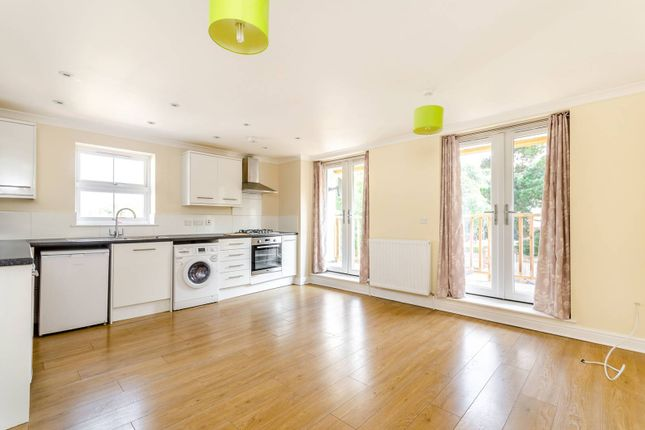 Thumbnail Flat to rent in Monks Orchard Road, West Wickham
