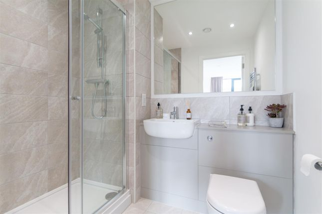 Bathroom & En-Suite (2)