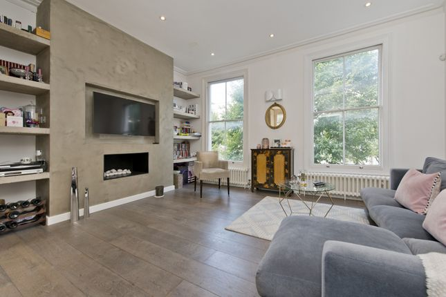 Thumbnail Flat to rent in Chesterton Road, London