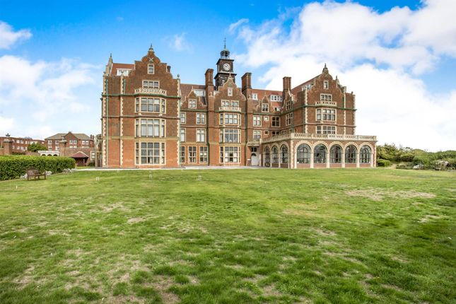 Thumbnail Flat for sale in Harvest House, Cobbold Road, Felixstowe