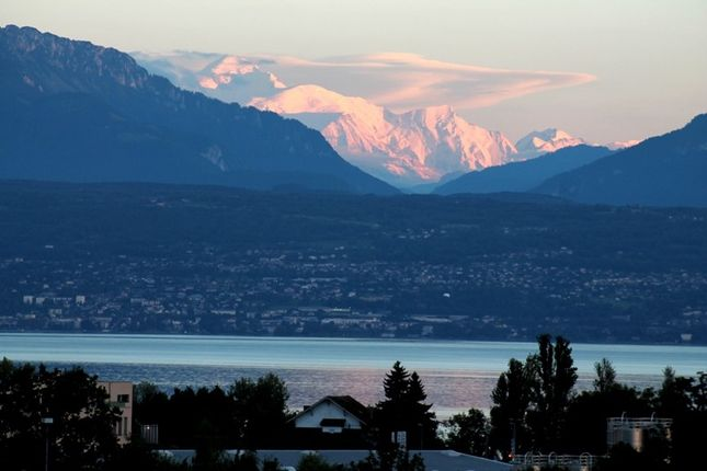 Photo of 1027 Lonay, Switzerland