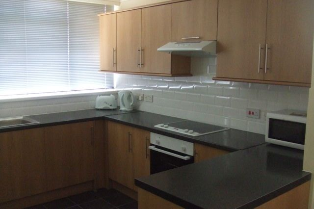 Thumbnail Terraced house to rent in Yarnfield Square, London