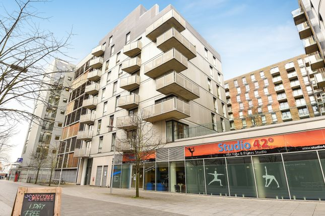 Thumbnail Flat for sale in Halcyon, Chatham Place, Reading