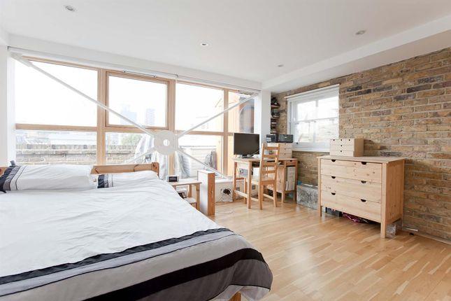 Gal Bed 1 of Leonard Street, London EC2A