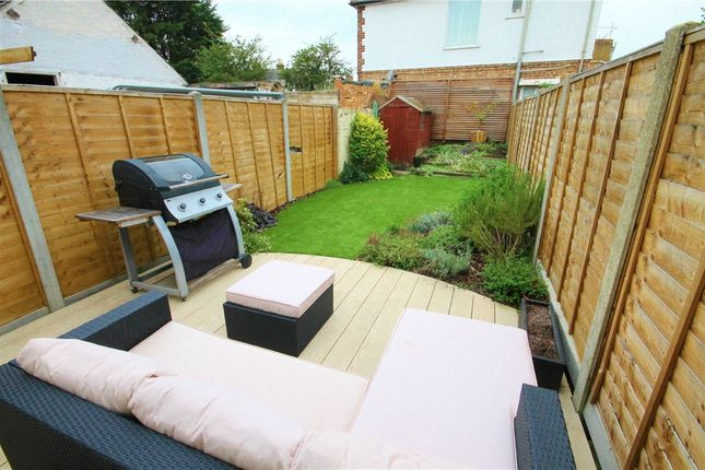 2 bed terraced house to rent in French Street, Lower Sunbury, Middlesex