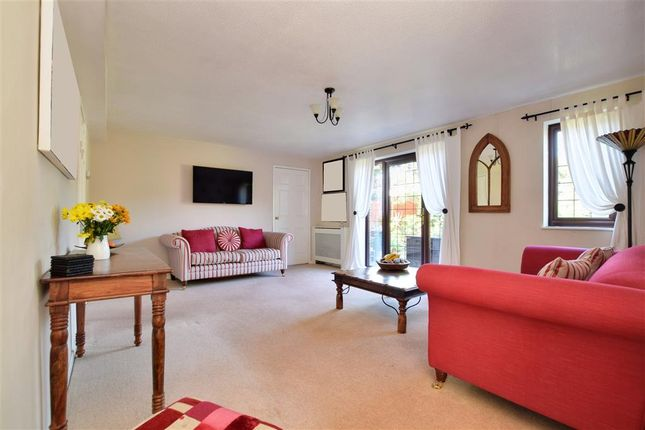 Thumbnail Detached house for sale in Cartersmead Close, Horley, Surrey