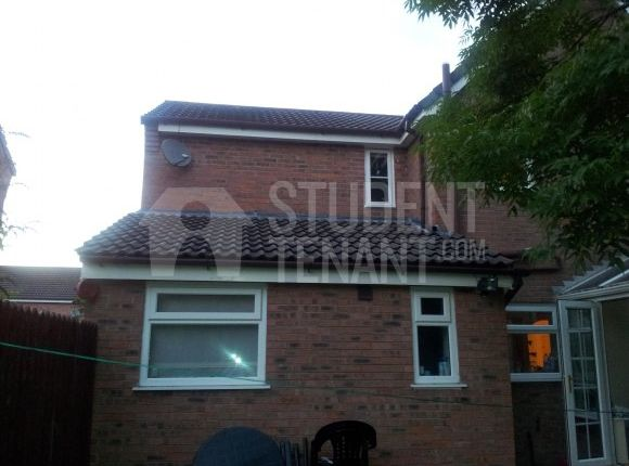 Thumbnail Semi-detached house to rent in Chervil Close, Manchester