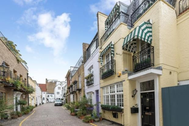 Thumbnail Property to rent in Rutland Mews South, Knightsbridge, London