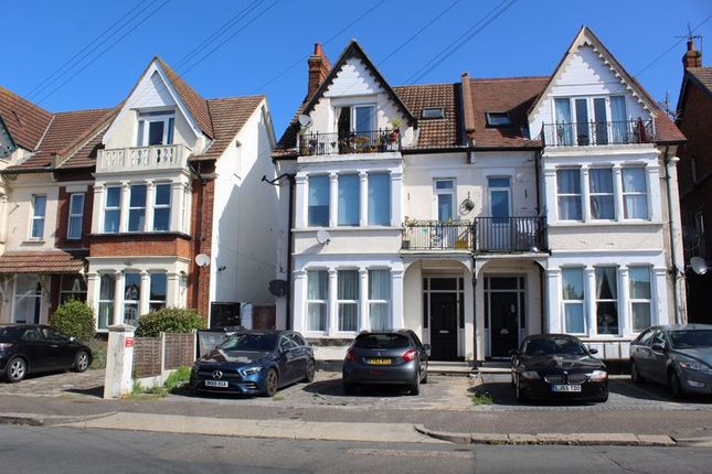 1 bed flat to rent in Genesta Road, Westcliff-On-Sea SS0
