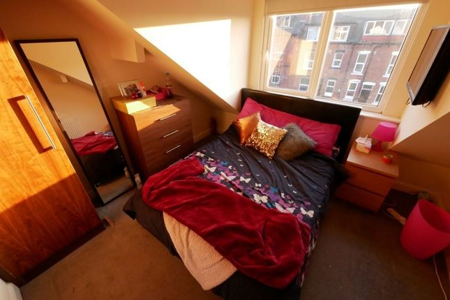 Thumbnail Property to rent in Royal Park Mount, Hyde Park, Leeds