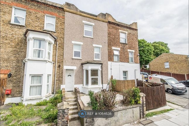 4 bed terraced house to rent in Brookhill Road, London SE18