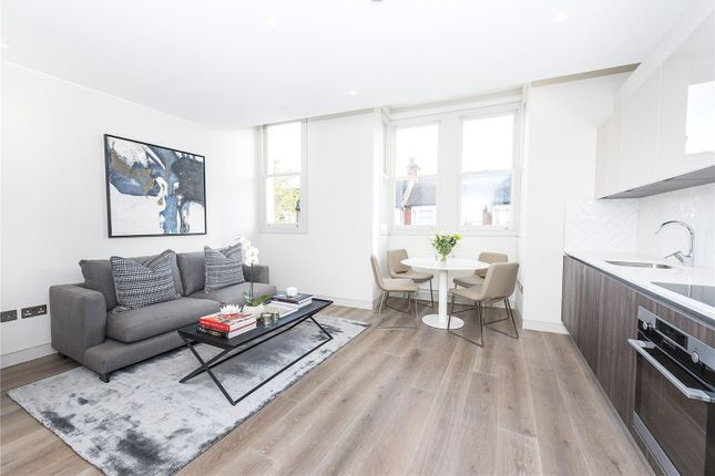Thumbnail Flat for sale in Flat 2 Leythe Road, London