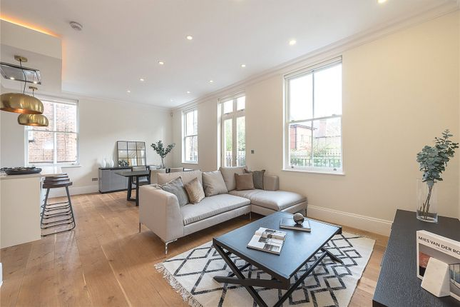 Thumbnail Flat for sale in Shepherds Hill, London