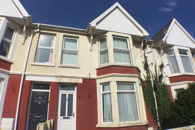 Thumbnail Maisonette to rent in Blundell Avenue, Porthcawl