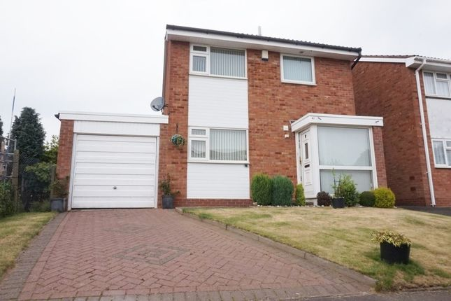 3 bed link-detached house for sale in Squires Croft, Walmley, Sutton Coldfield