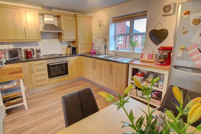 Thumbnail Flat for sale in Lowes Drive, Tamworth