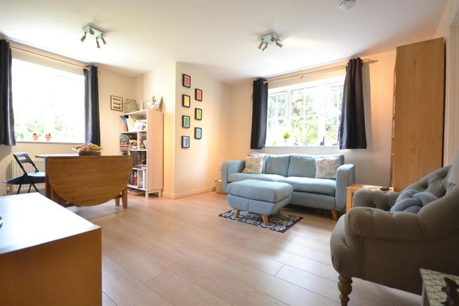 Thumbnail Flat for sale in Brookfield Court, Alcester Road, Stratford Upon Avon