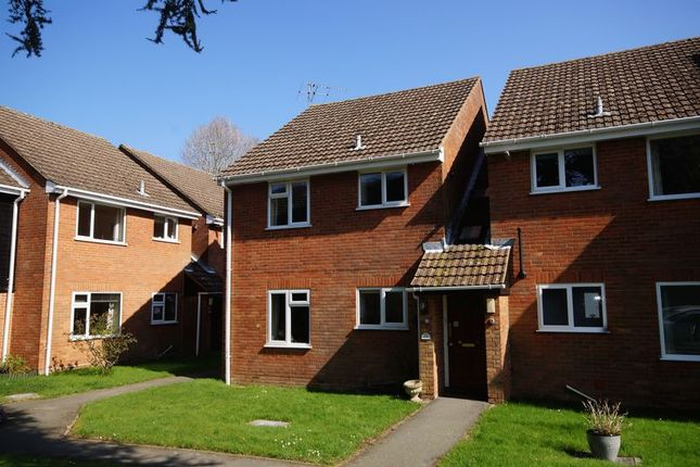 Thumbnail Flat to rent in Coulson Court, Prestwood, Great Missenden
