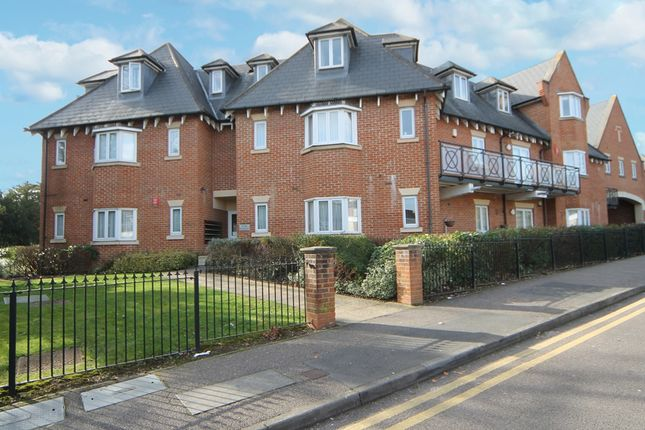 Thumbnail Flat for sale in Windsor House, Pynnacles Close, Stanmore