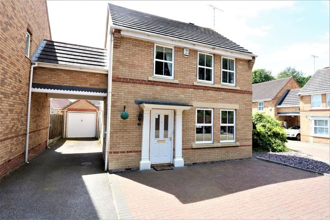 4 bed link-detached house for sale in Maunder Close, Chafford Hundred, Grays