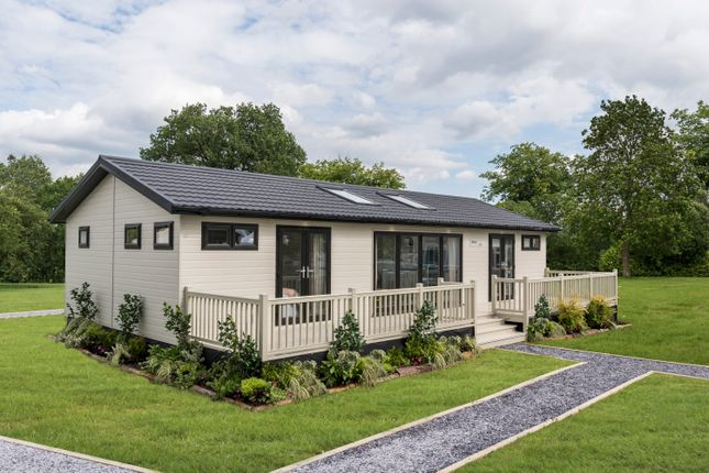Thumbnail Lodge for sale in Barholm Road, Tallington, Stamford, Lincolnshire