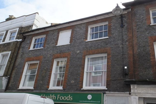 Thumbnail Flat to rent in South Court, Lewes