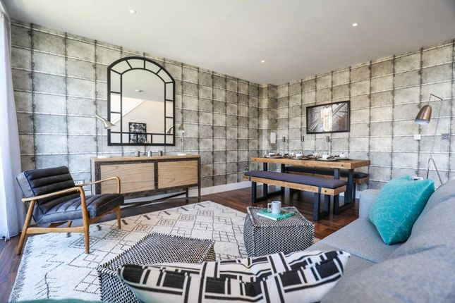Thumbnail Flat for sale in 100 Cambridge Road, London