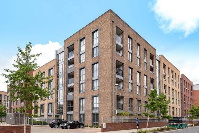 Thumbnail Flat to rent in Silwood Street, London