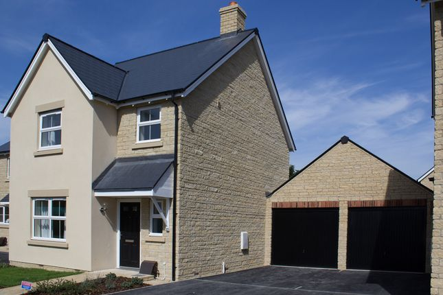 Thumbnail Semi-detached house to rent in Carmello Close, Carterton
