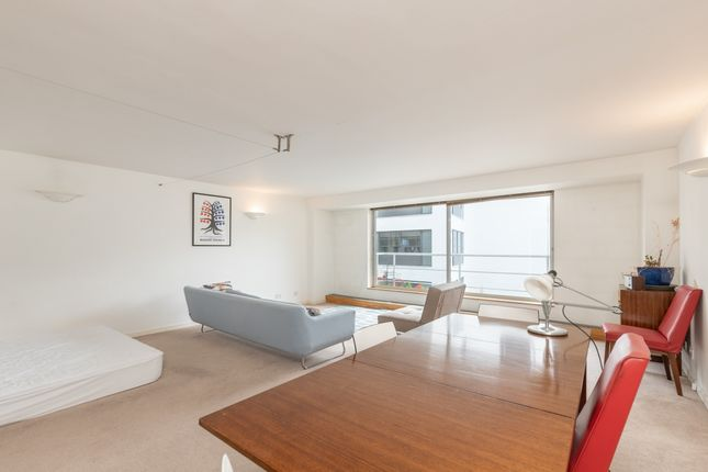 Studio to rent in Shad Thames, London SE1