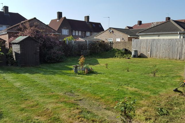 Thumbnail Flat to rent in Walfrey Gardens, Dagenham, Essex