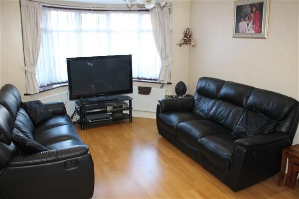Thumbnail Semi-detached house to rent in Stuart Avenue, London