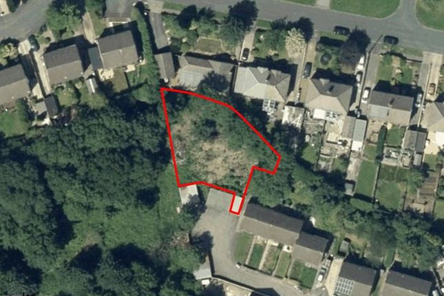 Picture No. 04 of Land To The Side Of, Blackburn Close, Fairweather Green, Bradford BD8