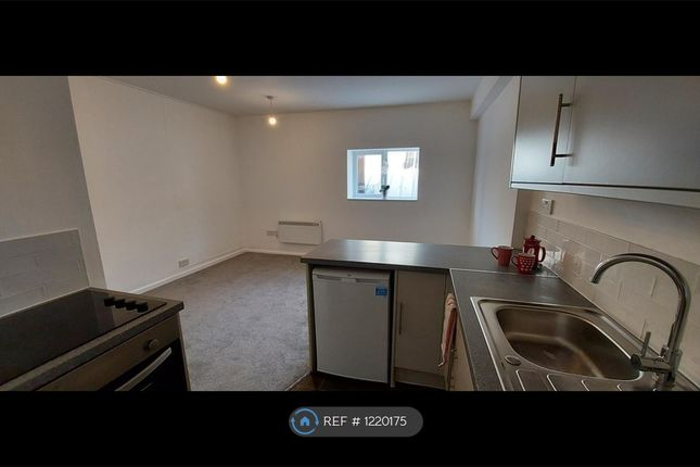 1 bed flat to rent in Kingston Court, Cannock WS11