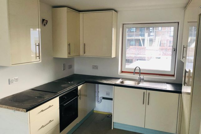 Thumbnail Flat to rent in Coldharbour Lane, Hayes