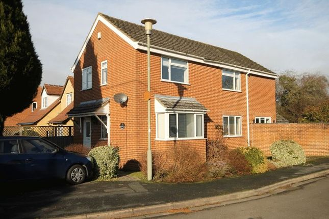 Thumbnail Detached house for sale in Meadow View, Kidlington